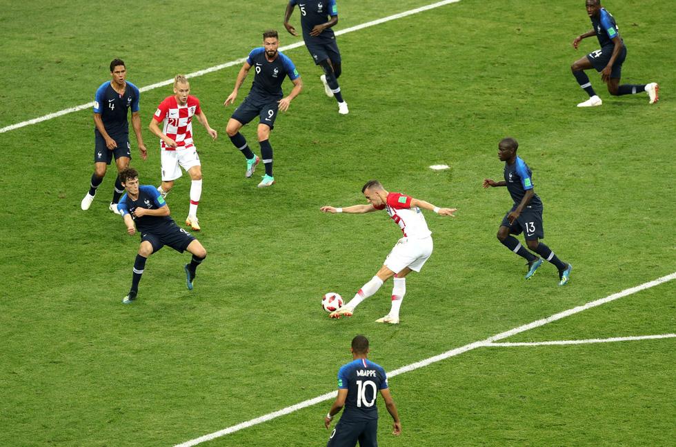 Những hình ảnh ấn tượng nhất đêm chung kết Croatia - Pháp - Ảnh 12.