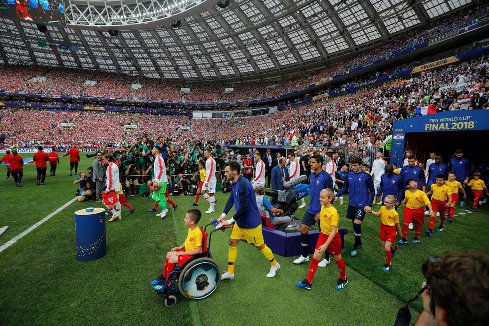 Những hình ảnh ấn tượng nhất đêm chung kết Croatia - Pháp - Ảnh 4.