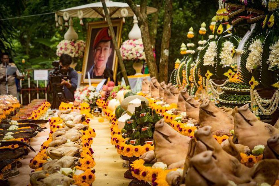Giải cứu đội bóng Thái Lan: cầu nguyện nữ thần hang Tham Luang - Ảnh 2.
