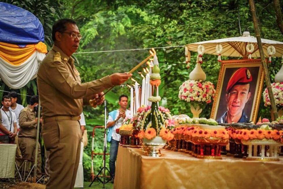 Giải cứu đội bóng Thái Lan: cầu nguyện nữ thần hang Tham Luang - Ảnh 3.