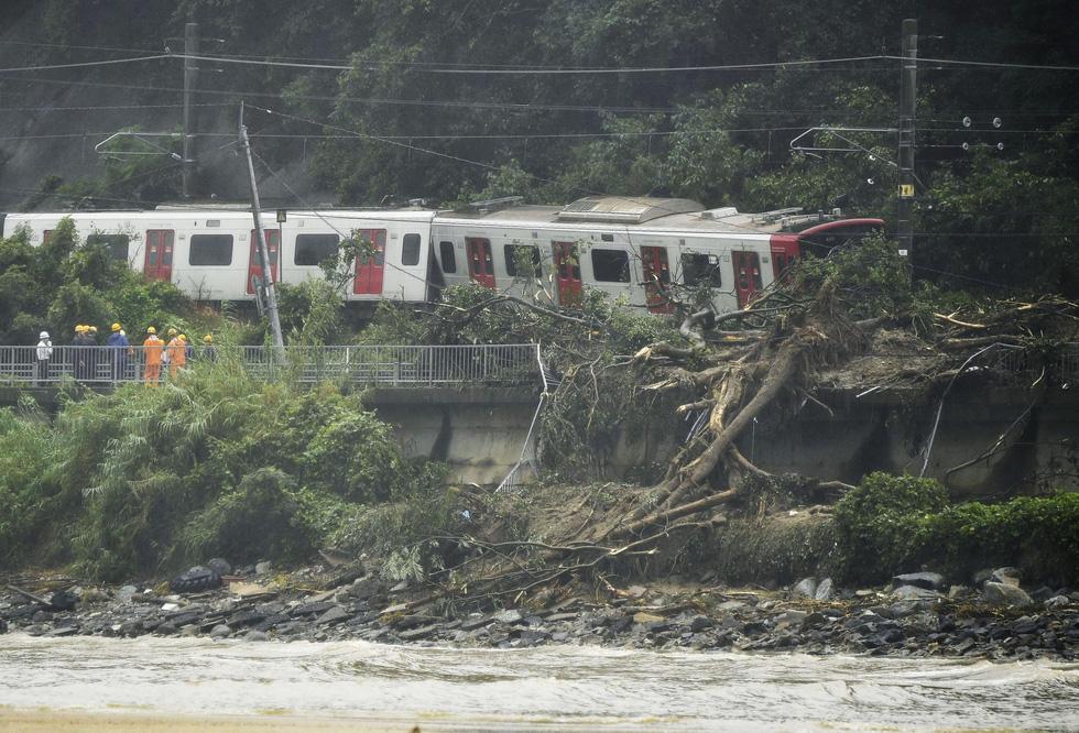 Cuộc đại di tản ở Nhật vì mưa khủng khiếp - Ảnh 4.