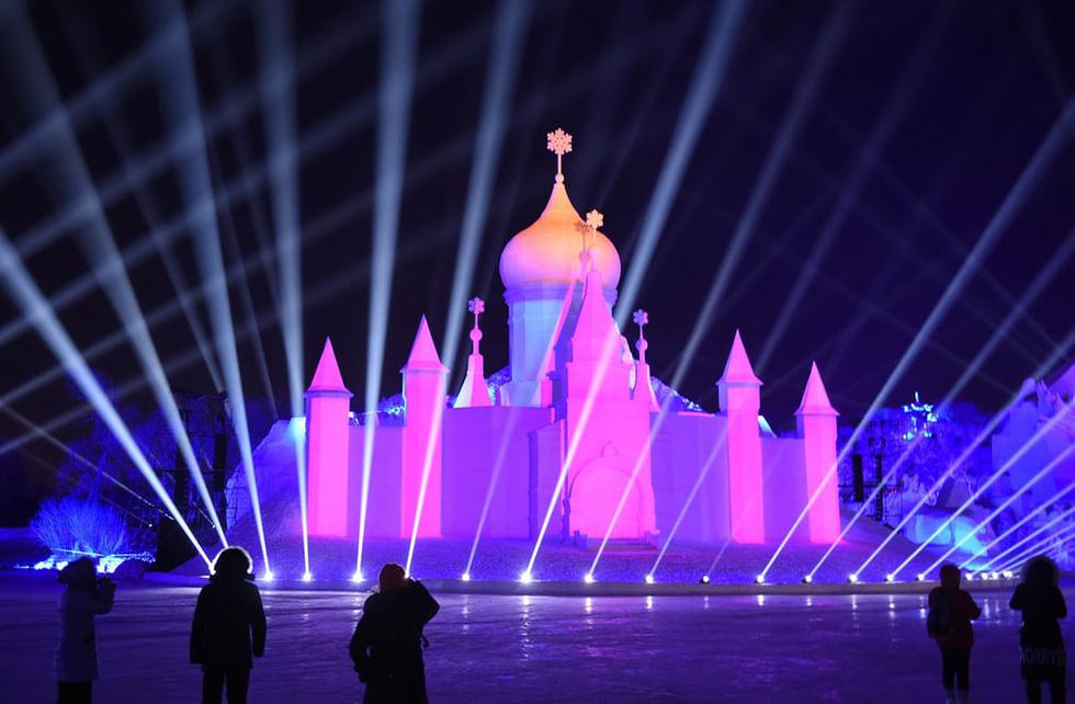Sang Hàn Quốc và Trung Quốc vui lễ hội băng tuyết - Ảnh 8.