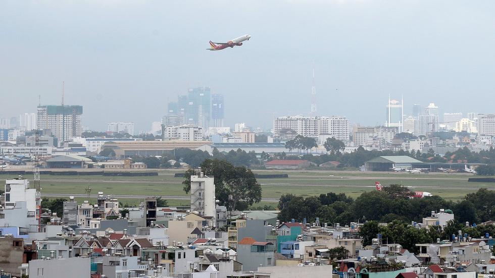 Mở rộng sân bay Tân Sơn Nhất về hướng sân golf - Ảnh 1.