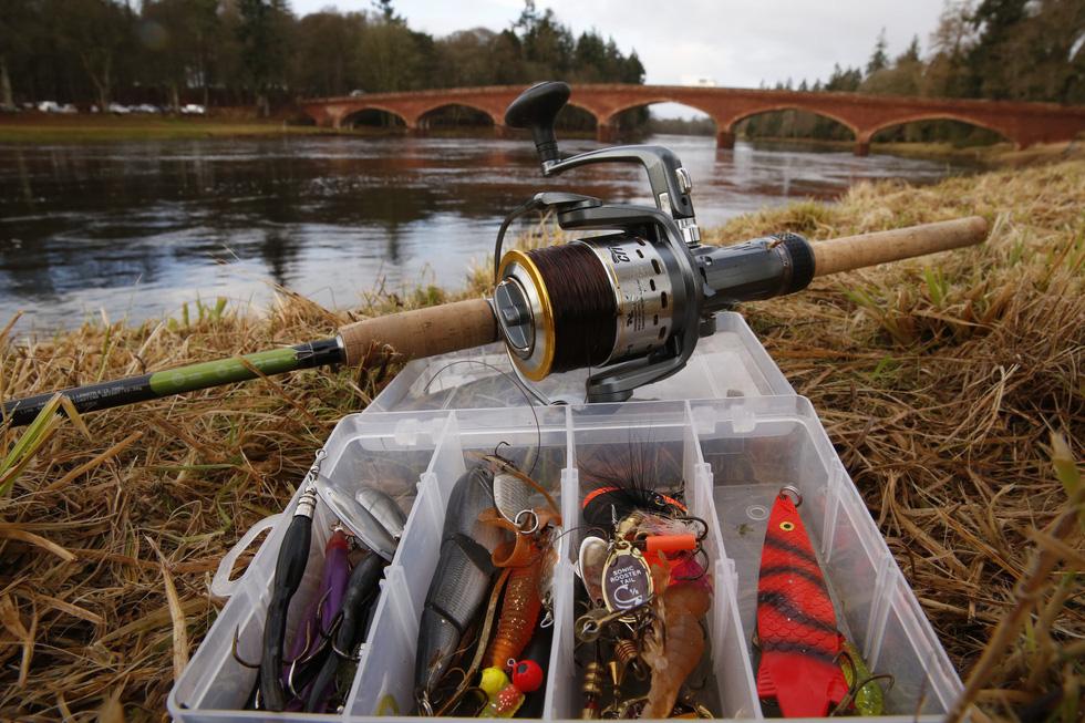 Đi Scotland câu cá hồi, nhậu whisky - Ảnh 9.