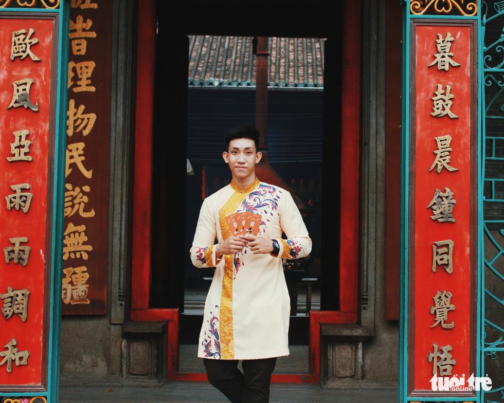 Xúng xính áo dài đón Tết ở làng người Hoa - Ảnh 6.