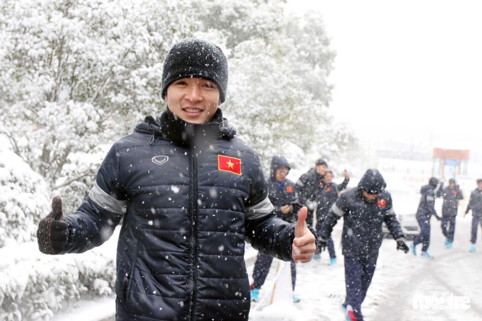 Tuyết phủ trắng nơi U23 Việt Nam đá trận chung kết lịch sử - Ảnh 10.