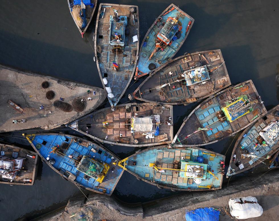 Vẻ đẹp kì ảo của các địa danh nổi tiếng nhìn từ flycam - Ảnh 2.