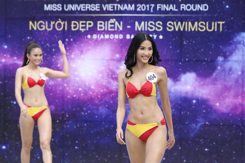 Thí sinh Hoa hậu Hoàn vũ VN trình diễn bikini nóng bỏng - Ảnh 8.