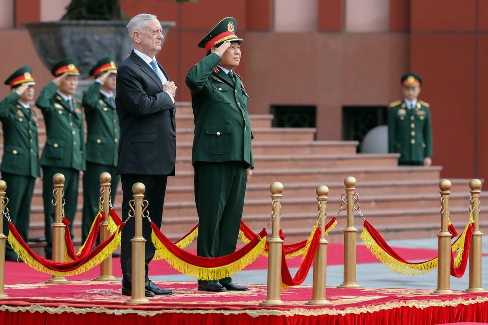 Một ngày của Bộ trưởng Quốc phòng Mỹ James Mattis ở Hà Nội - Ảnh 7.