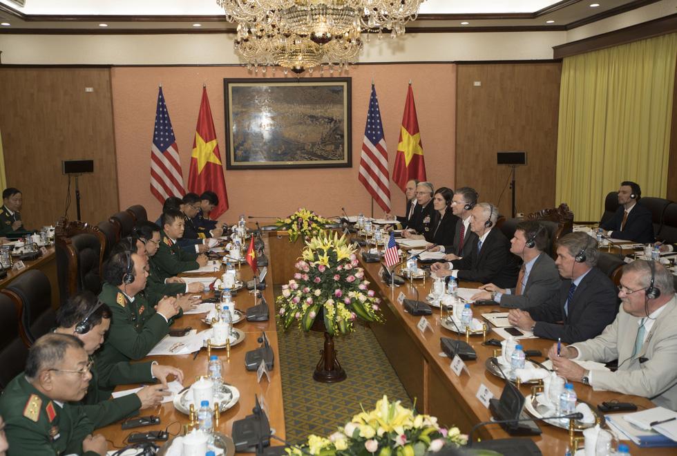 Một ngày của Bộ trưởng Quốc phòng Mỹ James Mattis ở Hà Nội - Ảnh 10.