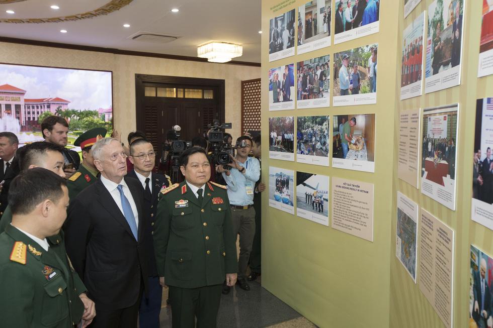 Một ngày của Bộ trưởng Quốc phòng Mỹ James Mattis ở Hà Nội - Ảnh 11.