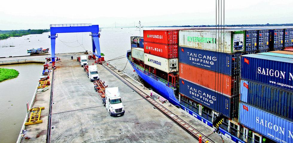 Hàng hóa xuất khẩu từ ĐBSCL - Muốn ra thế giới phải đi lòng vòng - Ảnh 1.