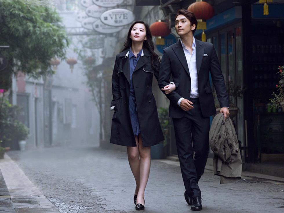 Sau 4 tháng chia tay Lưu Diệc Phi, Song Seung Hun tái xuất thân mật bên người đẹp Krystal