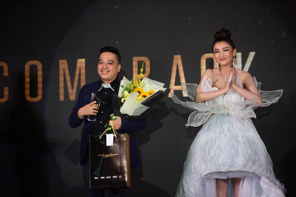 Hữu  Châu - người đàn ông biểu tượng của năm 2017 - Ảnh 4.