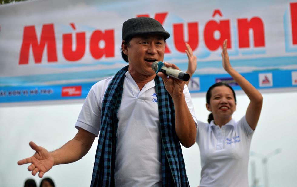 Nghệ sĩ hát, ngư dân phụ hò với Mùa xuân biển đảo 2018 - Ảnh 12.
