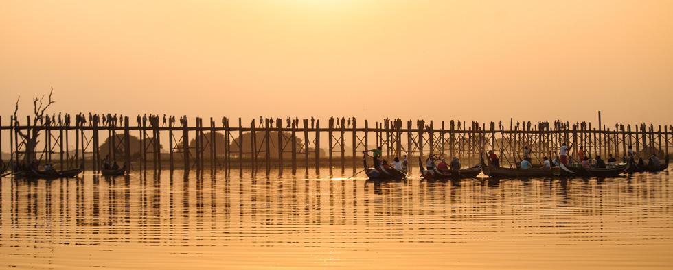 Đi Mandalay ngắm hoàng hôn ở cầu U Bein - Ảnh 9.