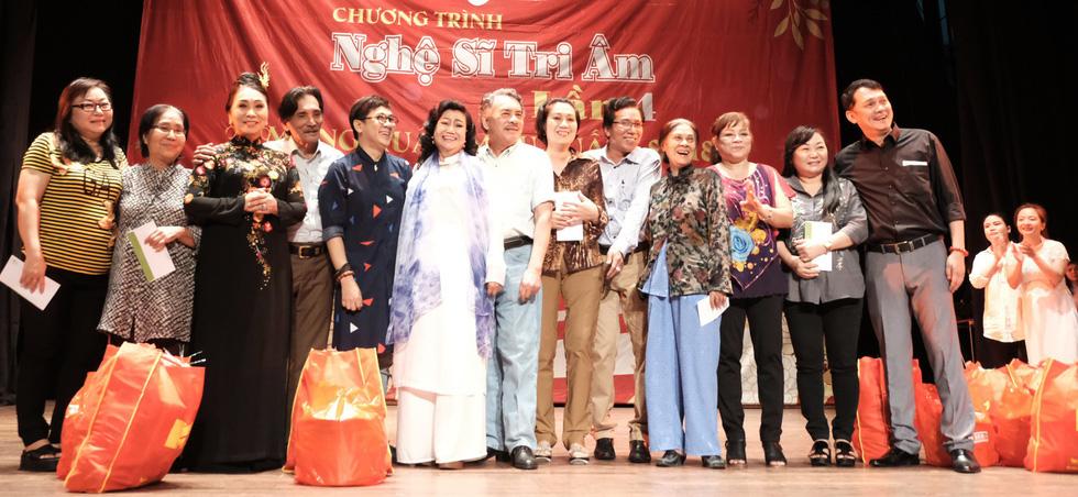 Nghệ sĩ Kim Cương, Thành Lộc, Hữu Châu... chúc tết sớm - Ảnh 3.
