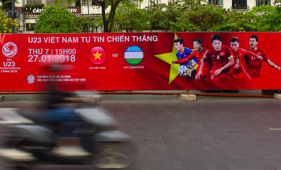 Cả Sài Gòn rạo rực đợi chung kết U23 - Ảnh 7.
