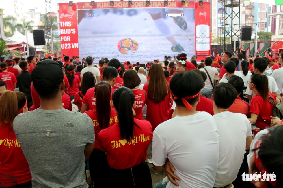 Nghệ sĩ Sài Gòn tụ hội cổ vũ đội tuyển U23 Việt Nam - Ảnh 10.