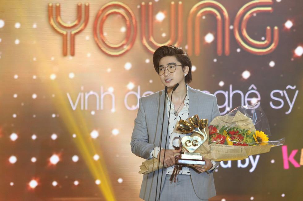 Soobin Hoàng Sơn lập hattrick tại Keeng Young Awards 2017 - Ảnh 8.