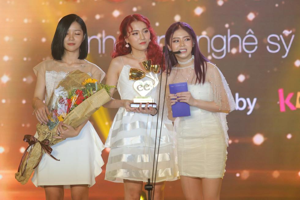 Soobin Hoàng Sơn lập hattrick tại Keeng Young Awards 2017 - Ảnh 9.
