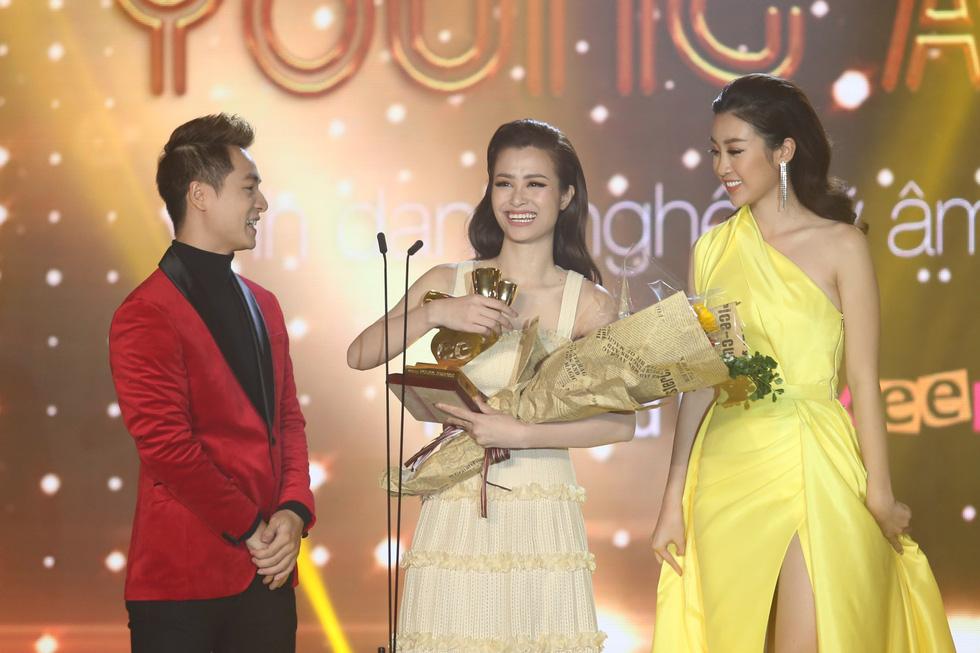 Soobin Hoàng Sơn lập hattrick tại Keeng Young Awards 2017 - Ảnh 10.