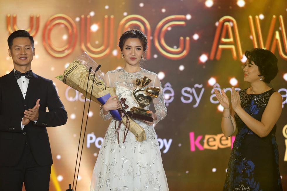 Soobin Hoàng Sơn lập hattrick tại Keeng Young Awards 2017 - Ảnh 3.