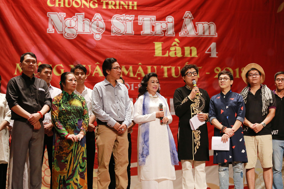 Nghệ sĩ Kim Cương, Thành Lộc, Hữu Châu... chúc tết sớm - Ảnh 1.