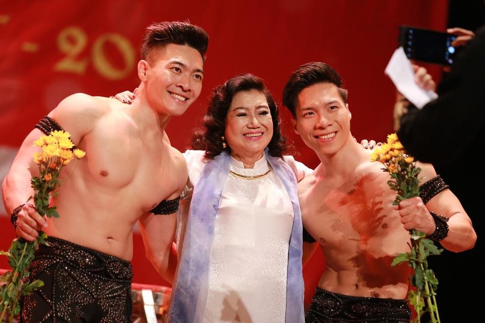 Nghệ sĩ Kim Cương, Thành Lộc, Hữu Châu... chúc tết sớm - Ảnh 13.