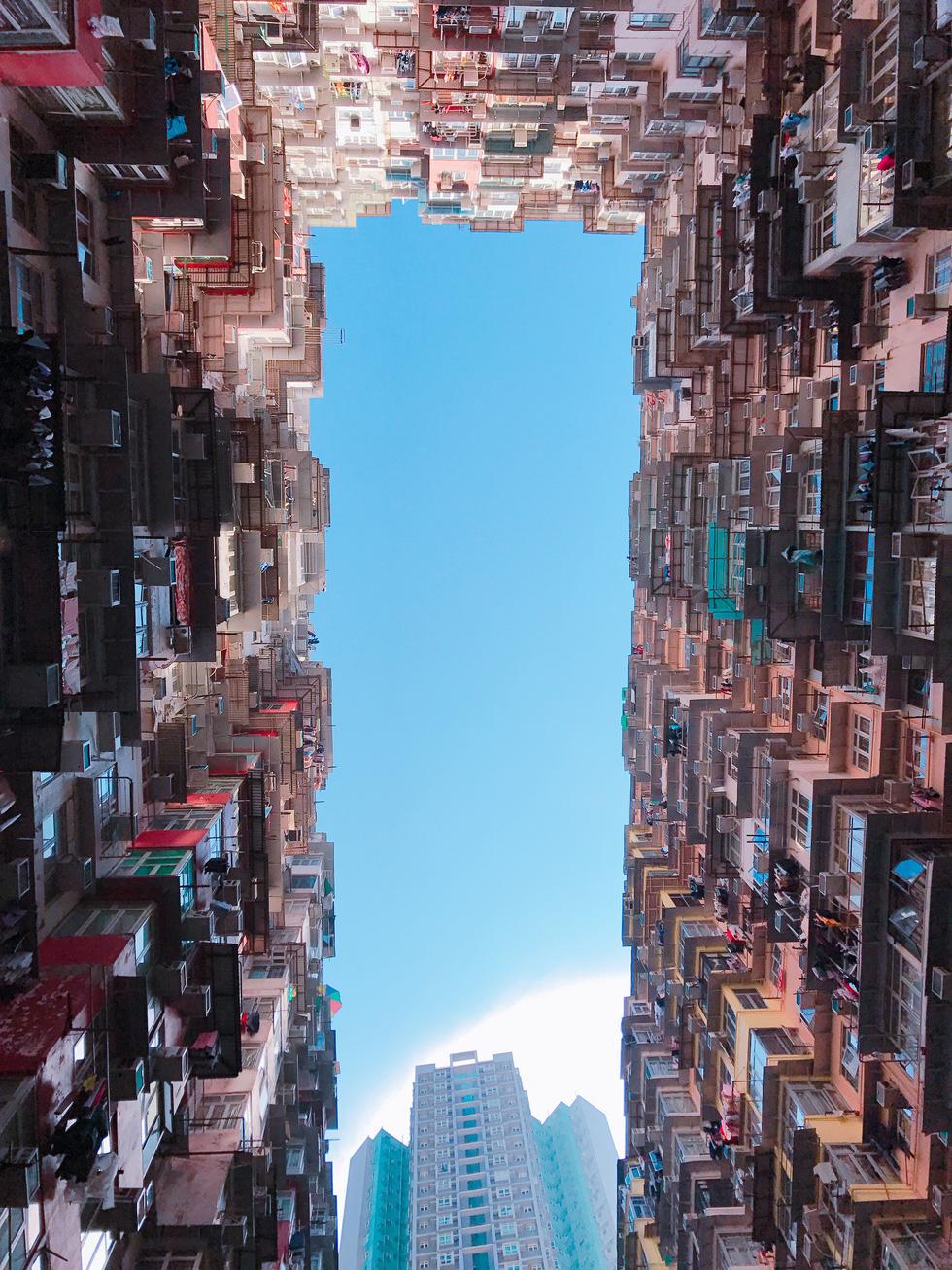 Montane Mansion - chung cư nhìn mỏi cổ ở Hong Kong - Ảnh 1.