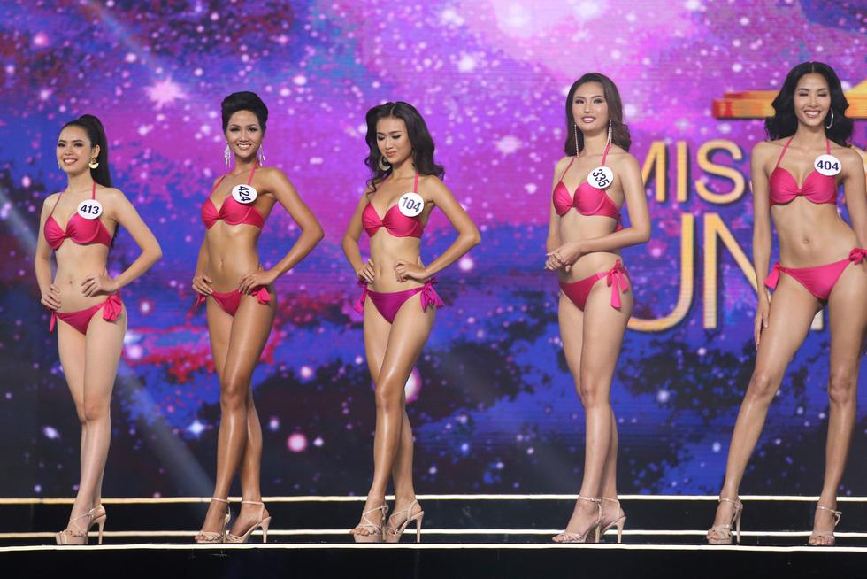 Ngắm nhan sắc tân hoa hậu HHen Niê qua các vòng thi - Ảnh 6.