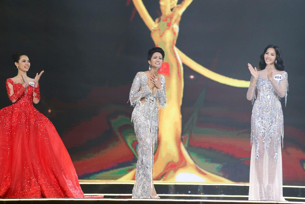 Ngắm nhan sắc tân hoa hậu HHen Niê qua các vòng thi - Ảnh 8.