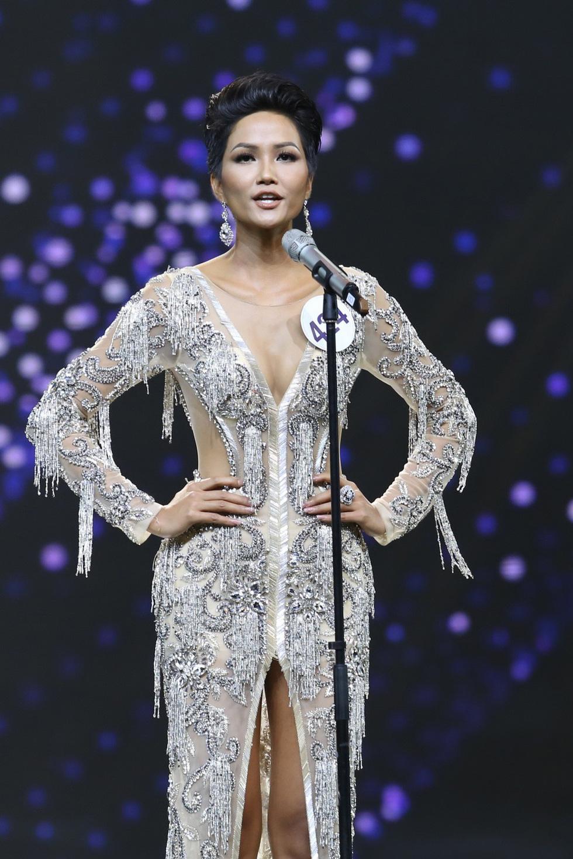 Ngắm nhan sắc tân hoa hậu HHen Niê qua các vòng thi - Ảnh 9.