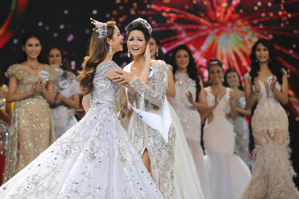 Ngắm nhan sắc tân hoa hậu HHen Niê qua các vòng thi - Ảnh 14.