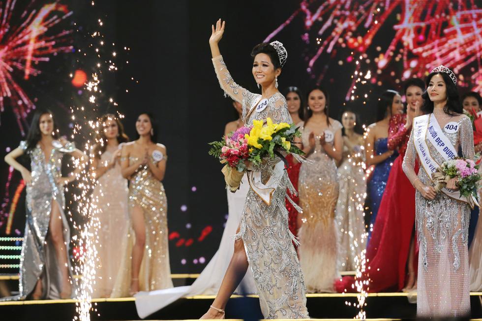 Ngắm nhan sắc tân hoa hậu HHen Niê qua các vòng thi - Ảnh 15.