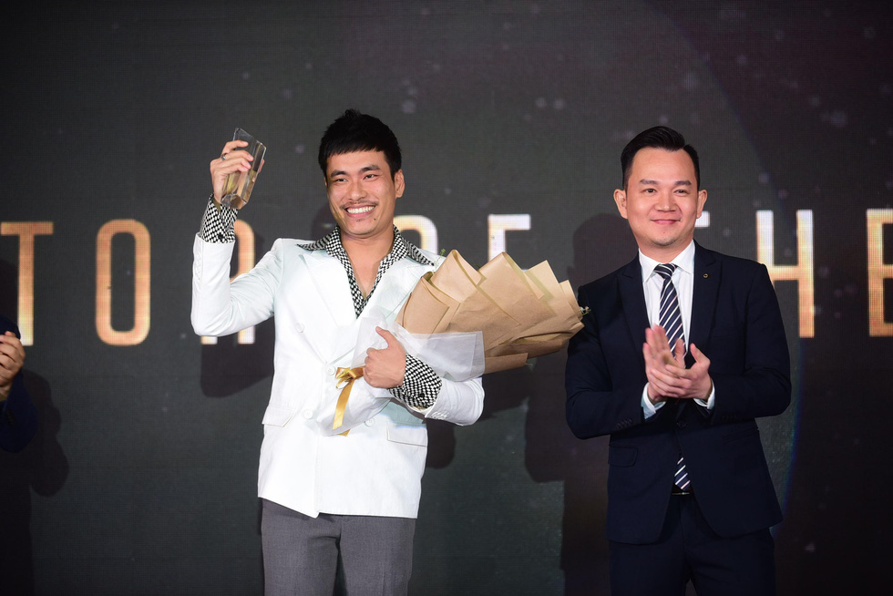 Hữu  Châu - người đàn ông biểu tượng của năm 2017 - Ảnh 5.