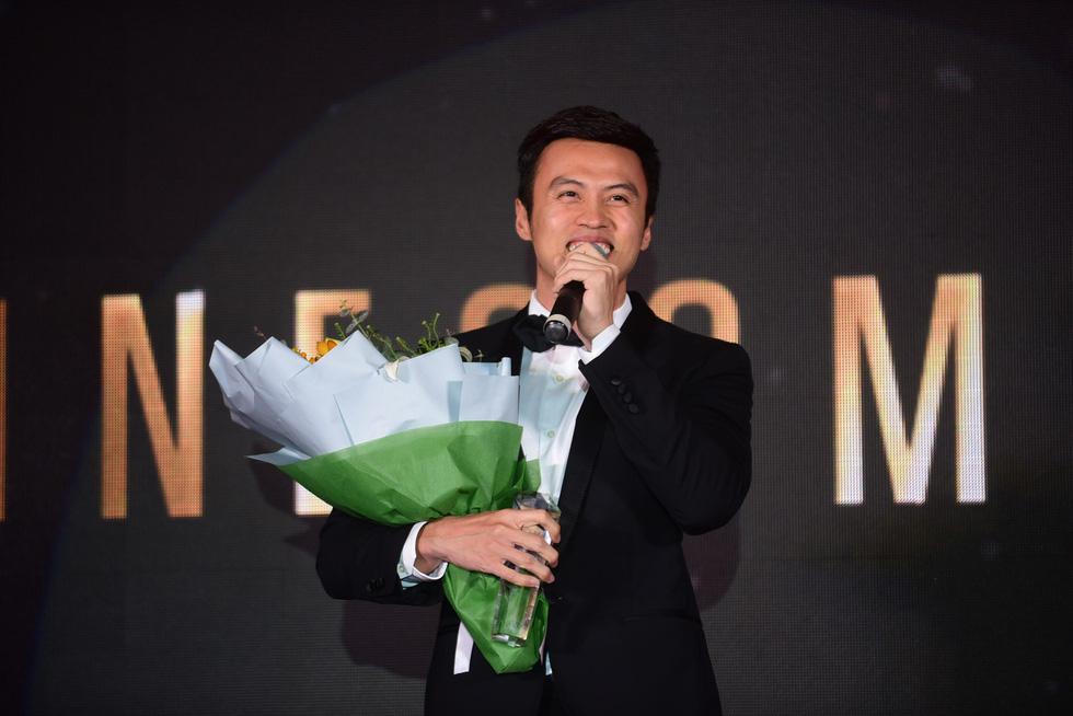 Hữu  Châu - người đàn ông biểu tượng của năm 2017 - Ảnh 9.