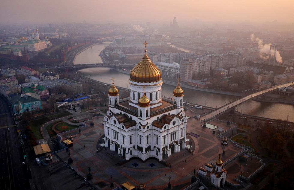 Vẻ đẹp kì ảo của các địa danh nổi tiếng nhìn từ flycam - Ảnh 10.