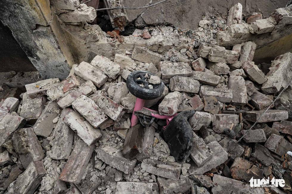 Hiện trường kinh hoàng vụ nổ kho phế liệu ở Bắc Ninh - Ảnh 11.