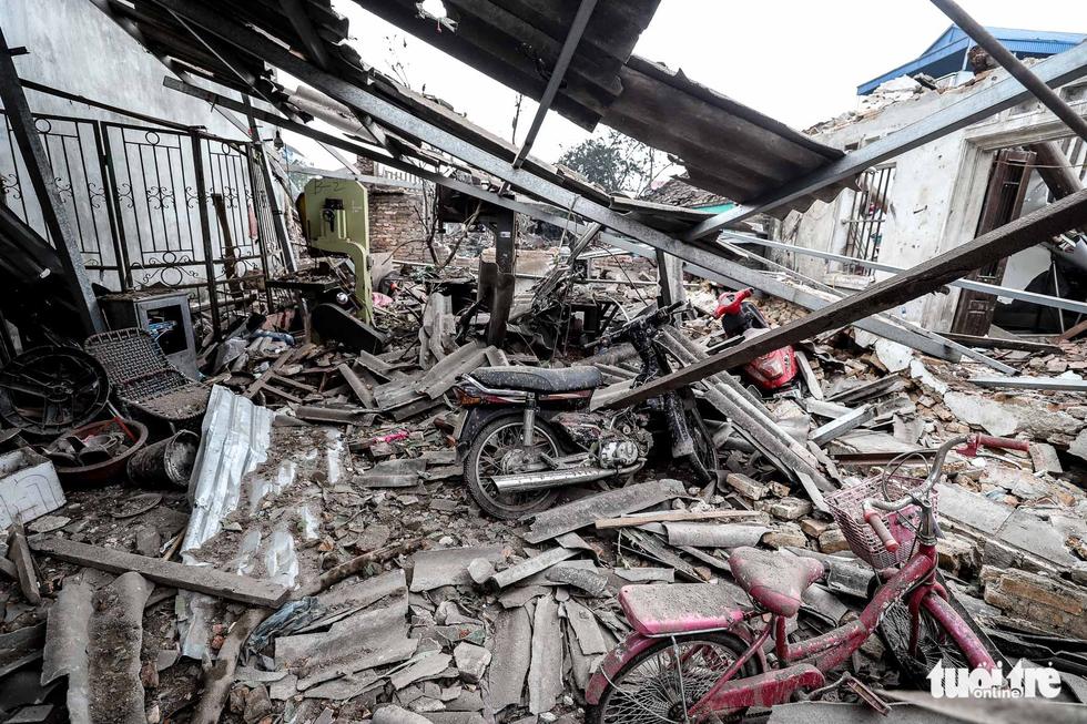 Hiện trường kinh hoàng vụ nổ kho phế liệu ở Bắc Ninh - Ảnh 14.