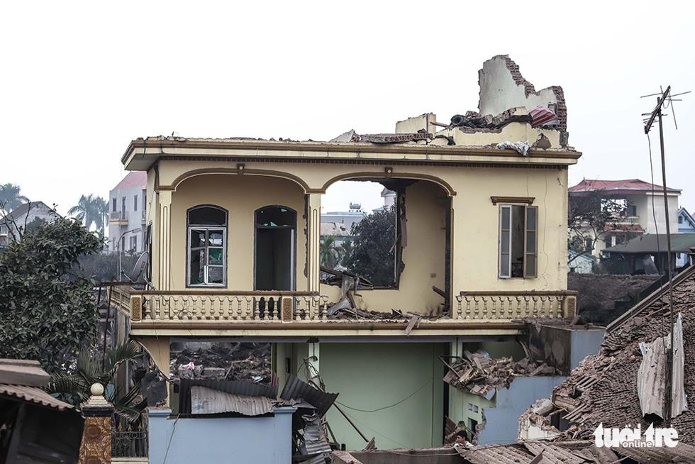 Hiện trường kinh hoàng vụ nổ kho phế liệu ở Bắc Ninh - Ảnh 8.