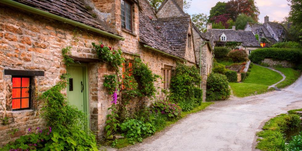 10 ngôi làng ở châu Âu khiến khách ngẩn ngơ - Ảnh 7.