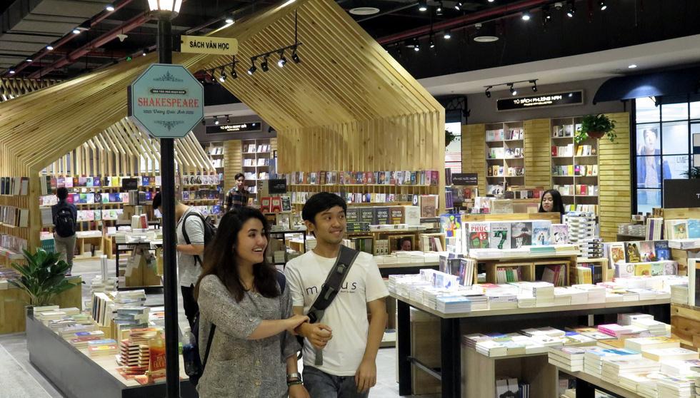 Thành phố sách châu Âu quyến rũ giữa Sài Gòn - Ảnh 6.