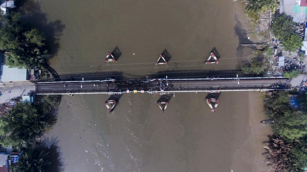 Hiện trường vụ sập cầu Long Kiển nhìn từ trên cao - Ảnh 8.