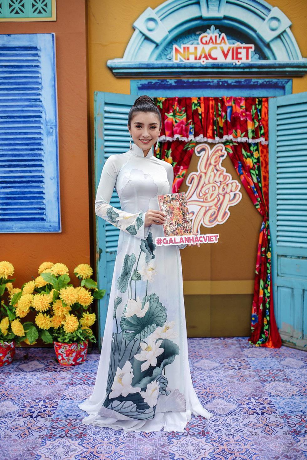Mùa hoa trở lại mở màn Gala nhạc Việt Về nhà đón Tết - Ảnh 6.