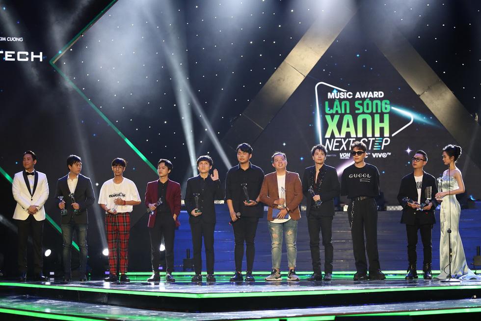 Bùa yêu thắng 6 giải Làn sóng xanh 2018 - Ảnh 2.