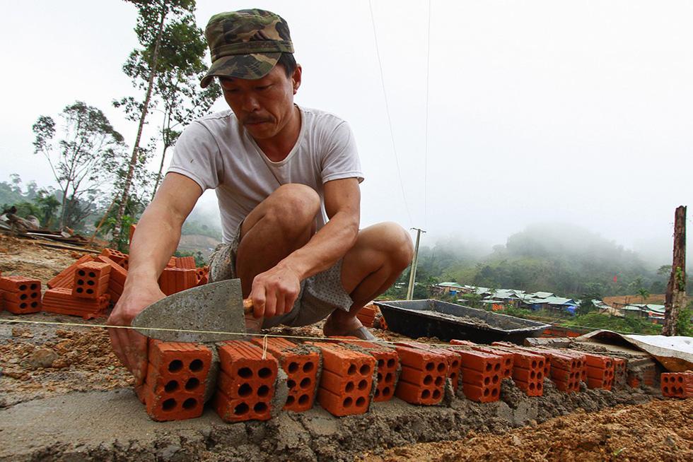 Sau thảm họa sạt lở núi, hồi sinh từ làng mới Khe Chữ - Ảnh 6.