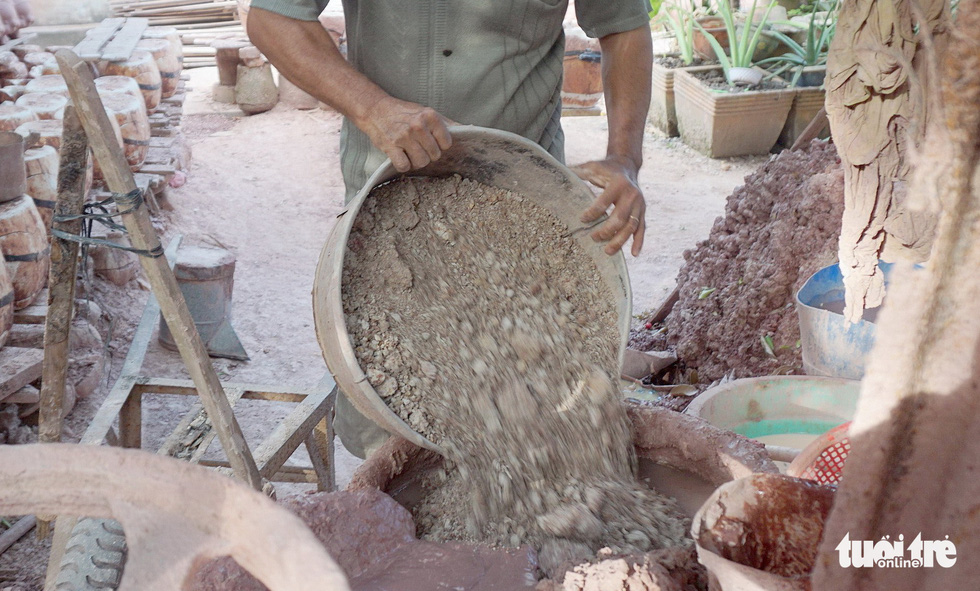 Ngạc nhiên với nghề làm heo đất cho mùa Tết Nguyên đán - Ảnh 3.