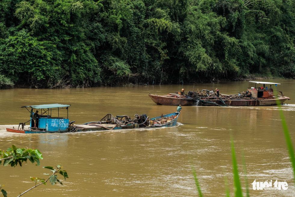 Cát tặc xâm hại Thánh địa Cát Tiên, vắt kiệt cát sông Đồng Nai - Ảnh 7.