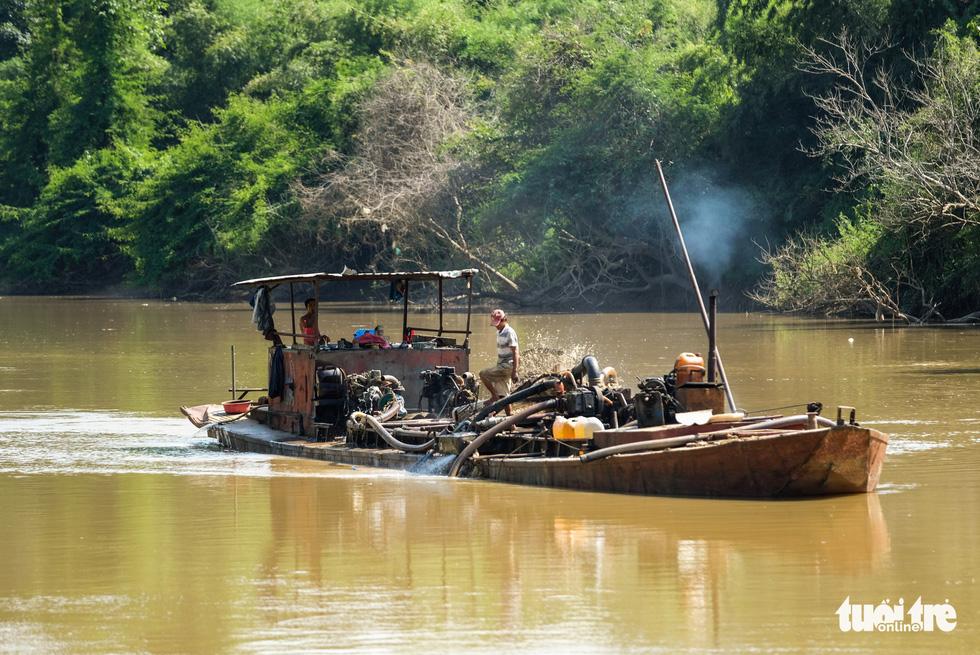 Cát tặc xâm hại Thánh địa Cát Tiên, vắt kiệt cát sông Đồng Nai - Ảnh 8.